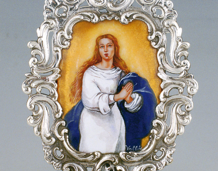 Pililla Ref.154 Inmaculada concepción. Esmalte pintado. 9x14cm