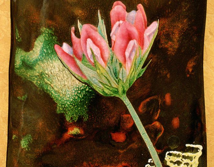 Luis Válles - esmalte al fuego - cursos - Cuadro Ref.3 Flor de la Tedera. Esmalte pintado. Fondo de altas temperaturas con calcita. 18.5x15.5cm